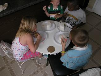 kids eating cake image