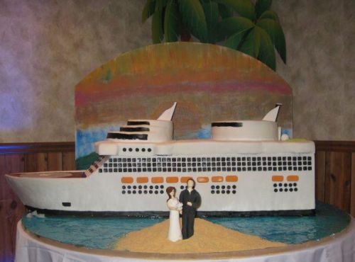 finished cruise ship cake image