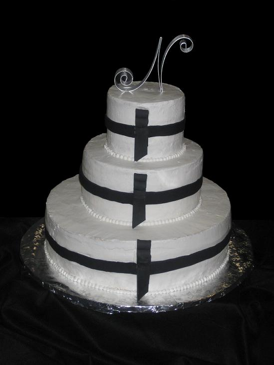 wedding cakes designs. white wedding cake design
