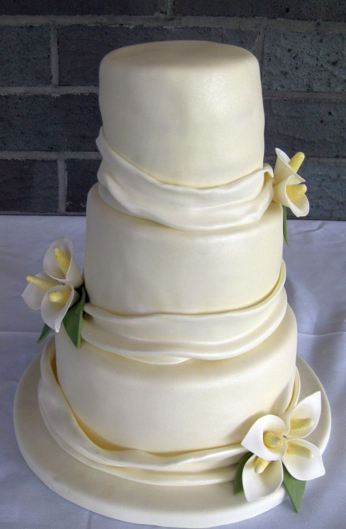 Calla Lily Wedding Cake Pictures And Ideas