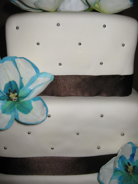 wedding cake with ribbon image Yes loved it Everyone was very happy with