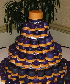 mini wedding cakes image
