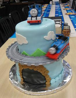 thomas the tank engine cake image