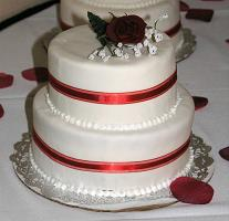 mini wedding cake image