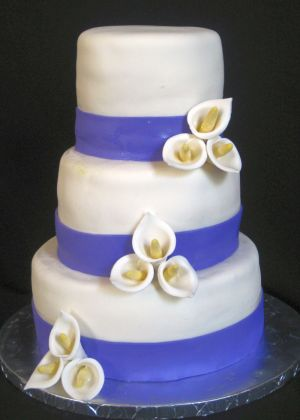 wedding cakes with calla lilies image