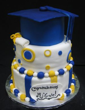 high school graduation cake image